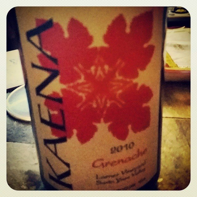 Chanelling some Aloha with a little @kaenawines  tonight!